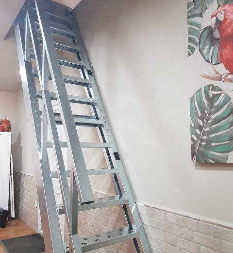 escalera en kit galvanizada