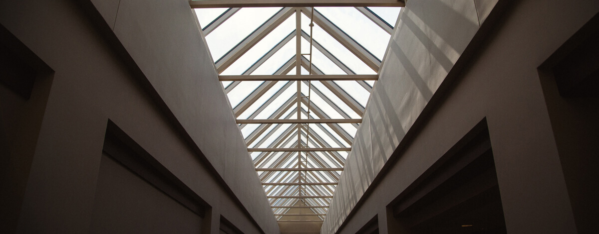 comercial skylight install Estrics
