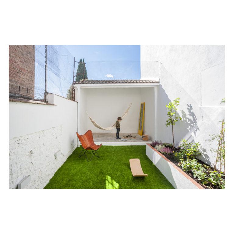 Proyecto reforma integral casa EstudioTInto - Diseño proyectos arquitectura - Patio interior reforma integral casa entre medianeras Bañolas Gerona