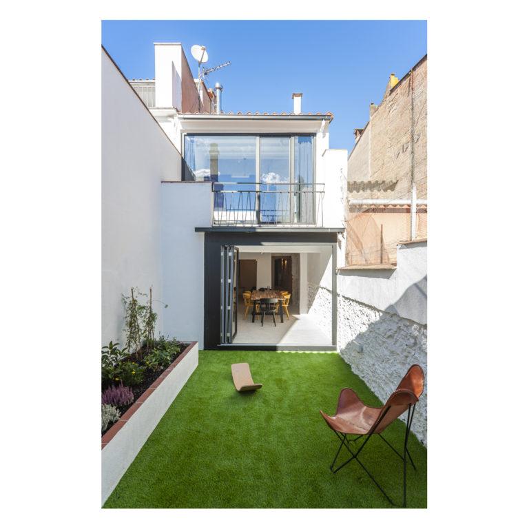 Proyecto reforma integral casa EstudioTInto - Diseño proyectos arquitectura - fachada casa desde patio interior reforma integral casa centenaria Bañolas Gerona