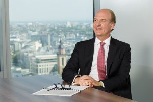 Vanguard Deutschland-Chef Sebastian Külps im Interview mit dem ETF-Yogi über das Unternehmen Vanguard, Anlageberatung und neue ETFs
