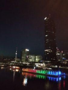 Wien  bei Nacht - Blick von der Donauinsel. Christian Lindner-Portfolio mit 3 ETFs