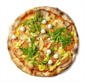 freshly-baked-pizza-S65SEGY-min.jpg