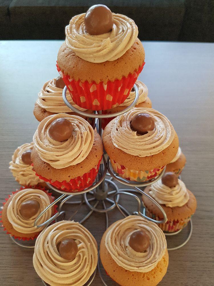 Malteser cupcakes - op staander II