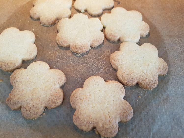 suikerzoete koekjes gebakken