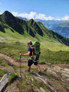 de eerste bergwandeling ahorn