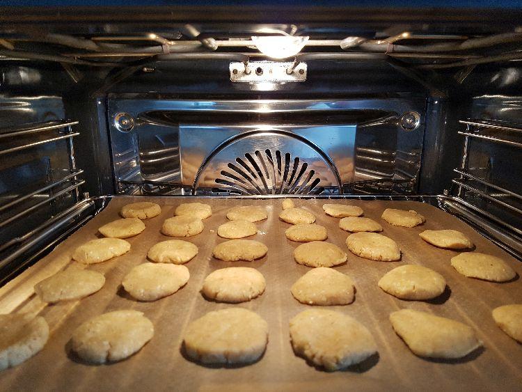 bakken in de oven