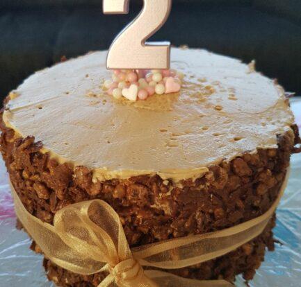 Hazelnoot praliné taart met crunch