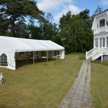 10. Privat: Tält och ståbord hyrda för mingelyta.