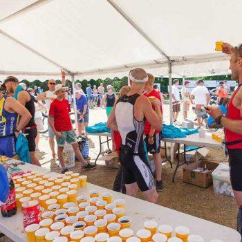 11. Sövde Triathlon: Uthyrning av tält för vätskekontroller.