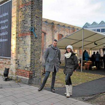 20. Malmö Saluhall: Företagsfest i hyrda tält med bord, stolar, dukar, porslin m.m.