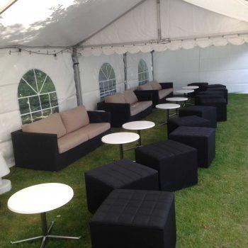 3. Privat: Tält, loungemöbler, soffor, soffbord och sittkuber uthyres.