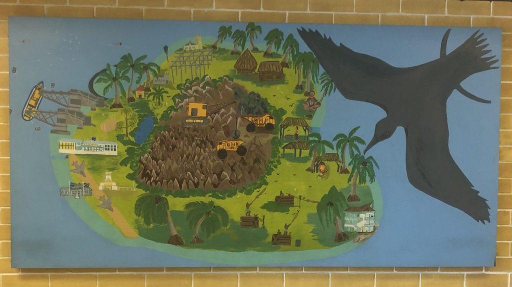 Kort over øen malet i lufthavnen