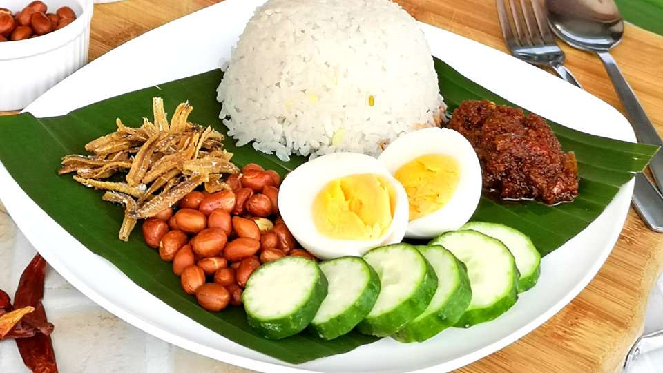 Where can you get the best Nasi Lemak in Singapore?