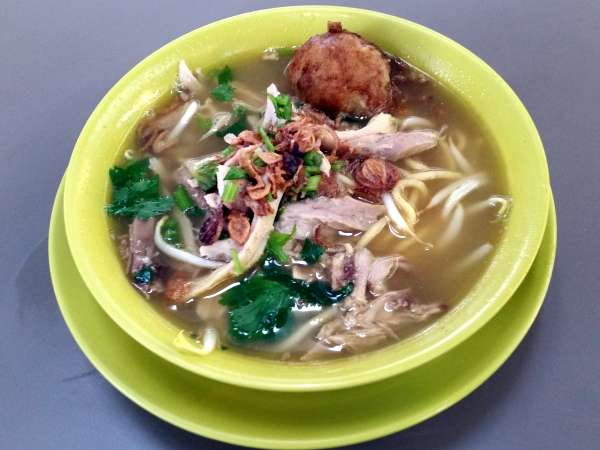 Where can you find the best Mee Soto in Singapore?