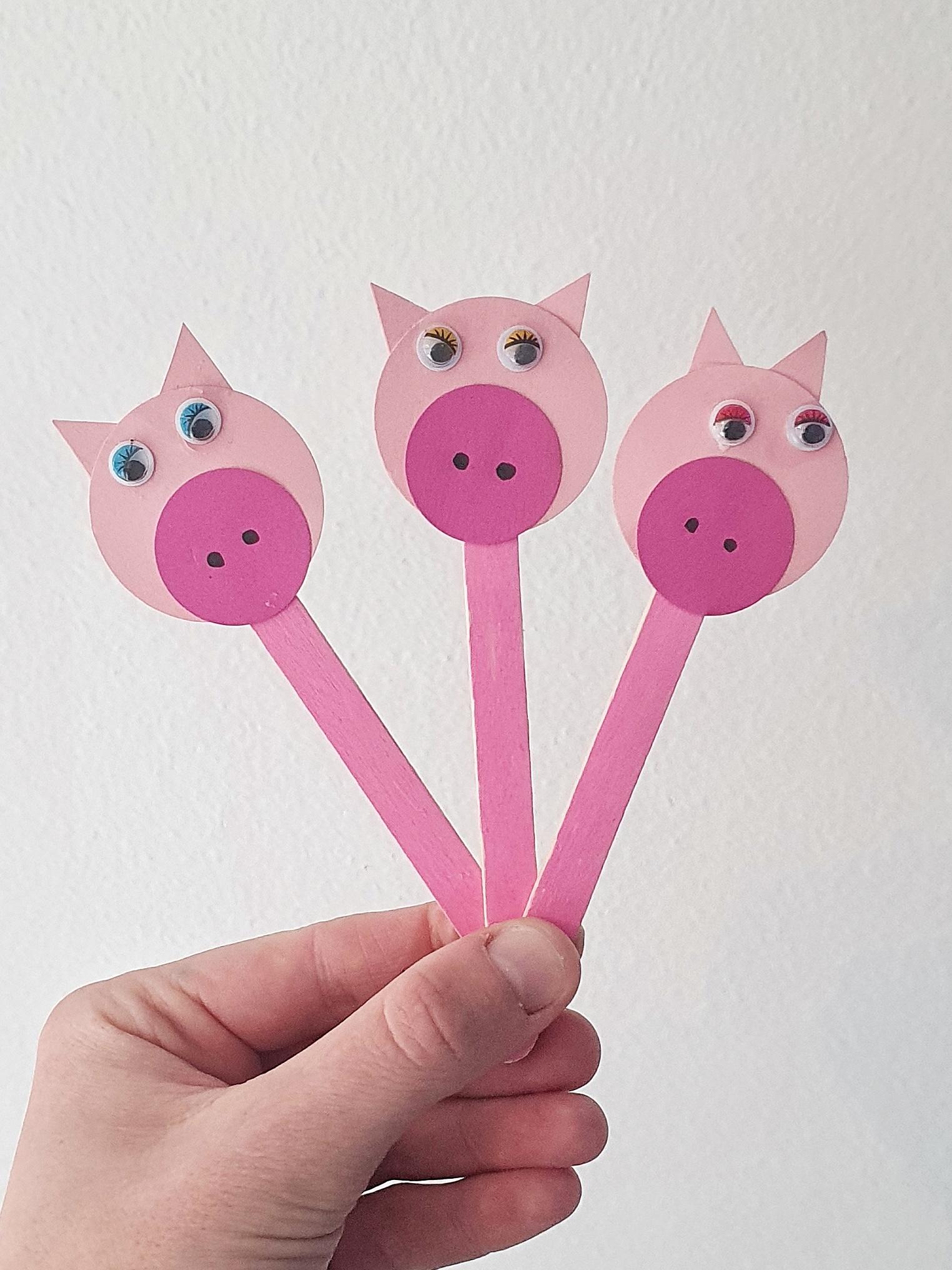 Dukketeater: de 3 små grise og ulven