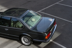 BMW-635-1986-behind-parkinglot