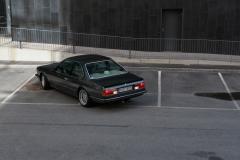 BMW-635-Csi-Backing-up-parkinglot
