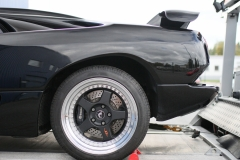 Lamborghini-Diablo-black-half-behind