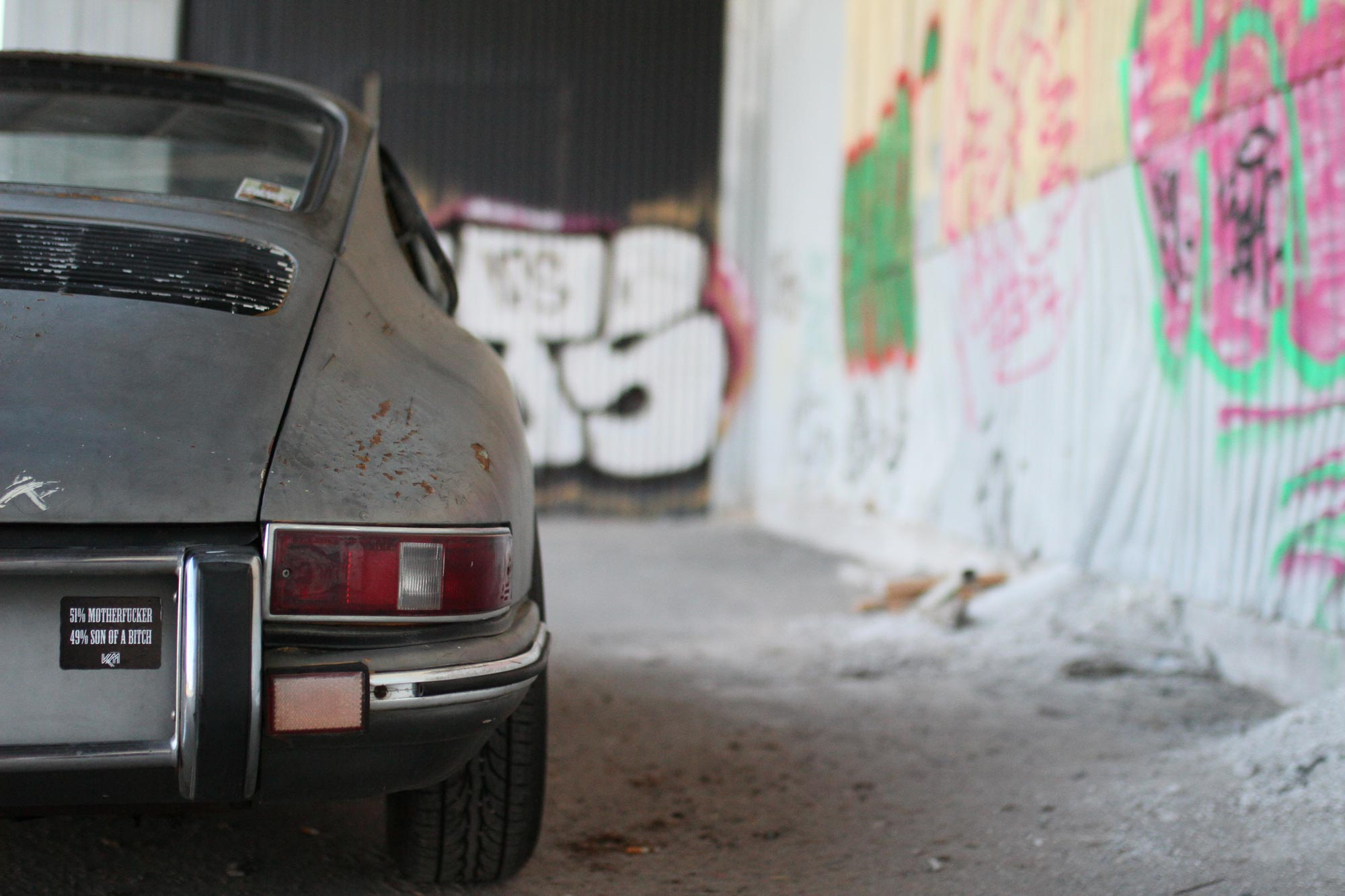 Porsche 912 höger baklampa mes klistermärke - 51% motherfucker - 49% son of a bitch