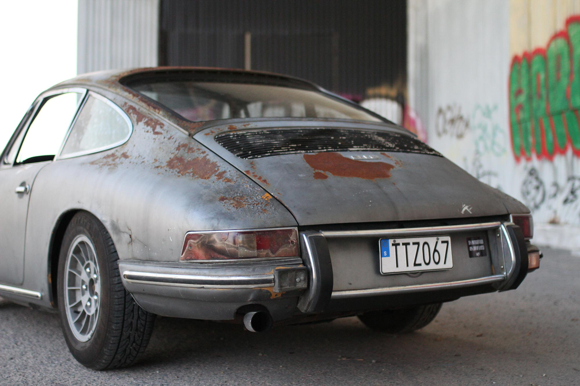 Porsche 912 with a patina touch, direct from San Fransisco.