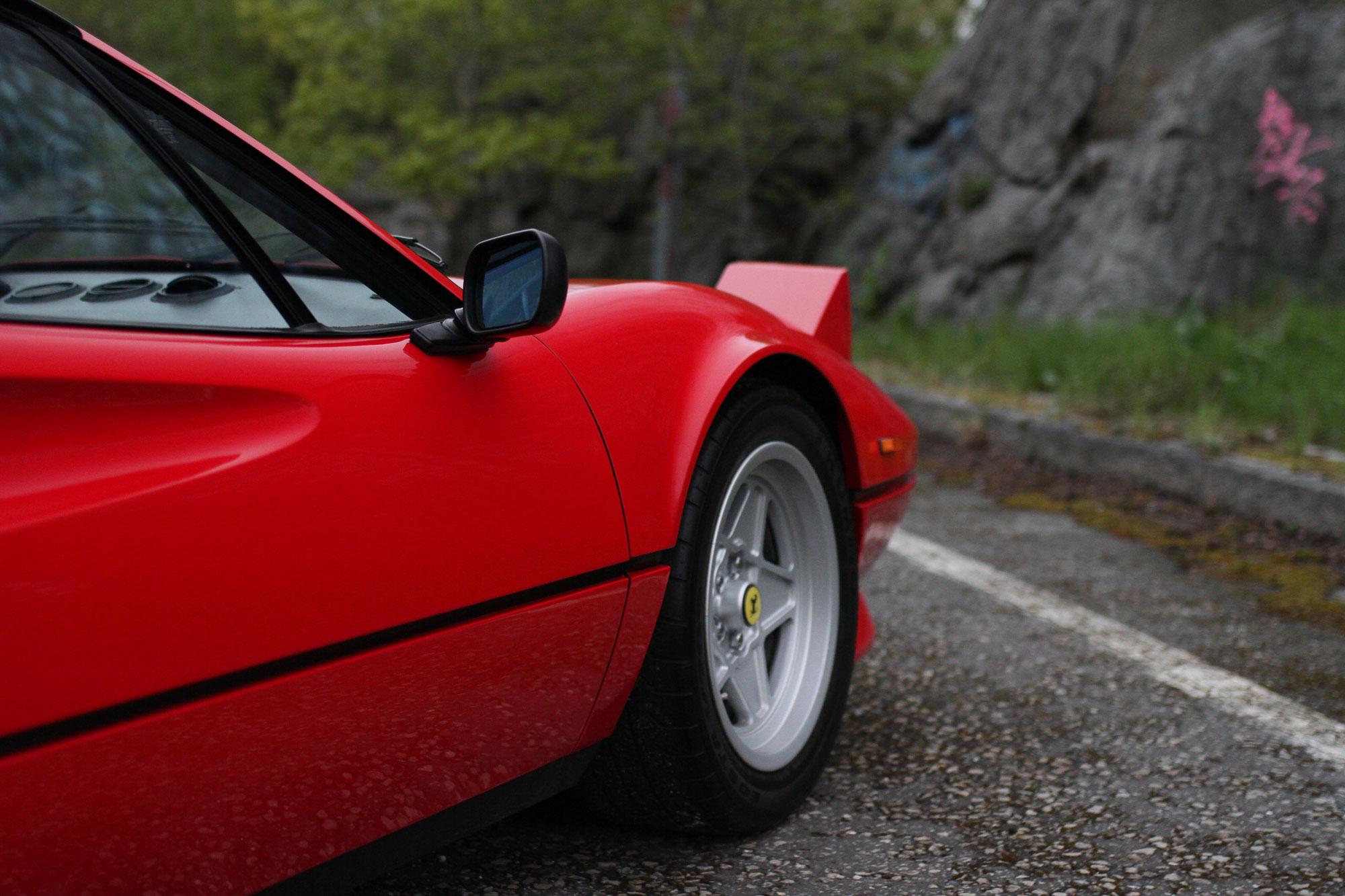 Pop up lamporna på Ferrari 308