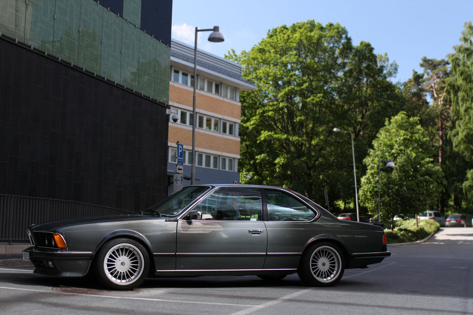 Vänster profil sida av BMW 635 CSi