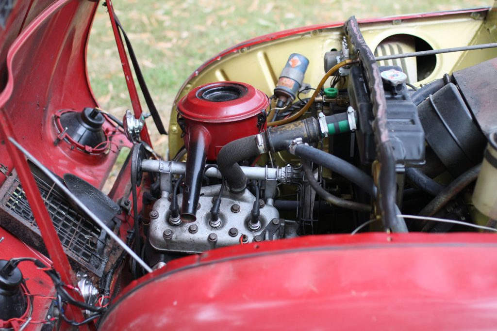 saab 96 engine from left side