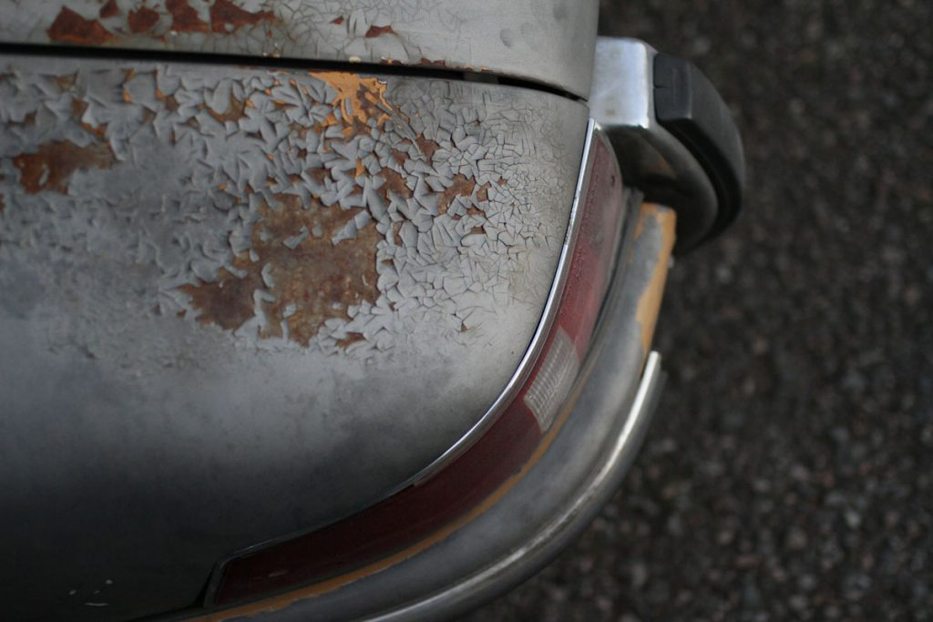 Left back fender on a rusty 912