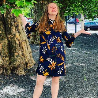 Stella R. Kurz vorm Singen in der deutschen Oper Berlin🎼Sehr gut organisiert🎼Danke für die Chance,  jungen Leuten Türen zu öffnen zu fördern🎼Danke an #bwgesang2021 #faszinationsingen #Gesangschule#suelehmann