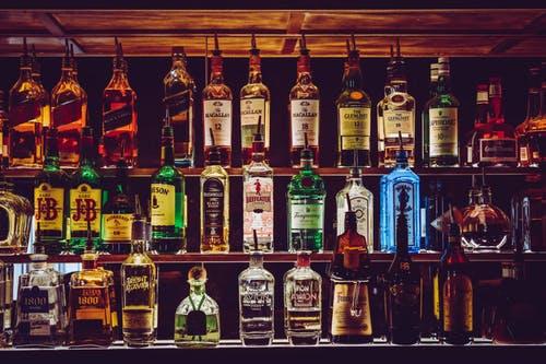 Unterhalten wir uns über Drogen. Und Alkoholsucht. by @freric1973