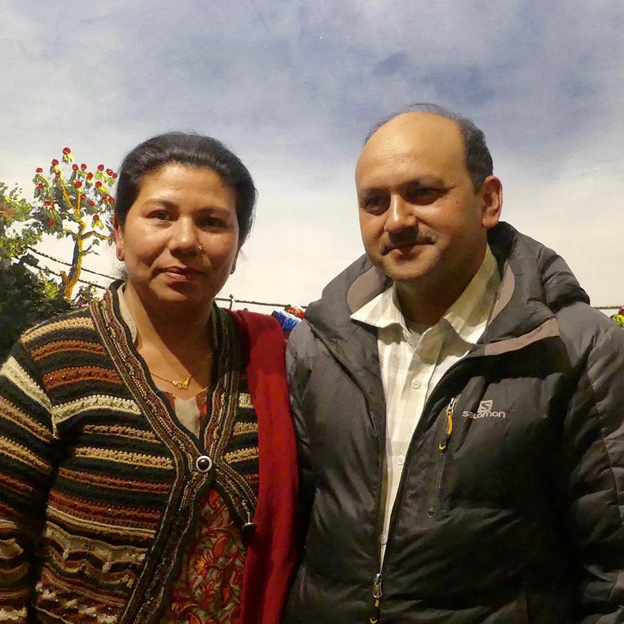 Pastor Yam med kone