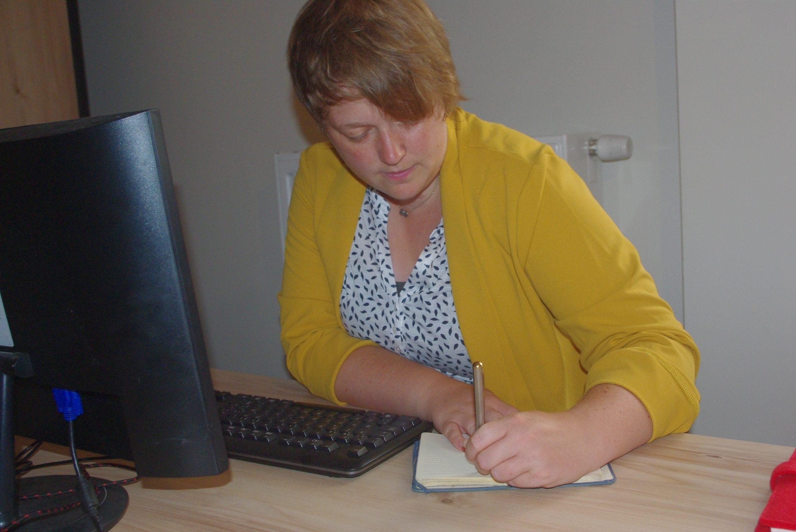 Sarah Dierckens aan het werk