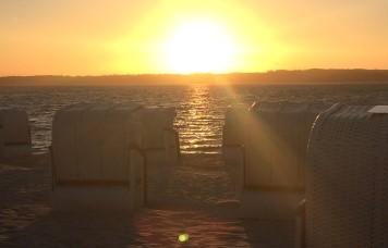 Traumhafte Sonnenuntergänge am Strand Glücksburg genießen