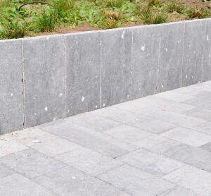 Palissade Belgische blauwe steen verouderd 8x25x150 cm