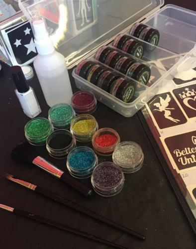 Glitter tattoo set up