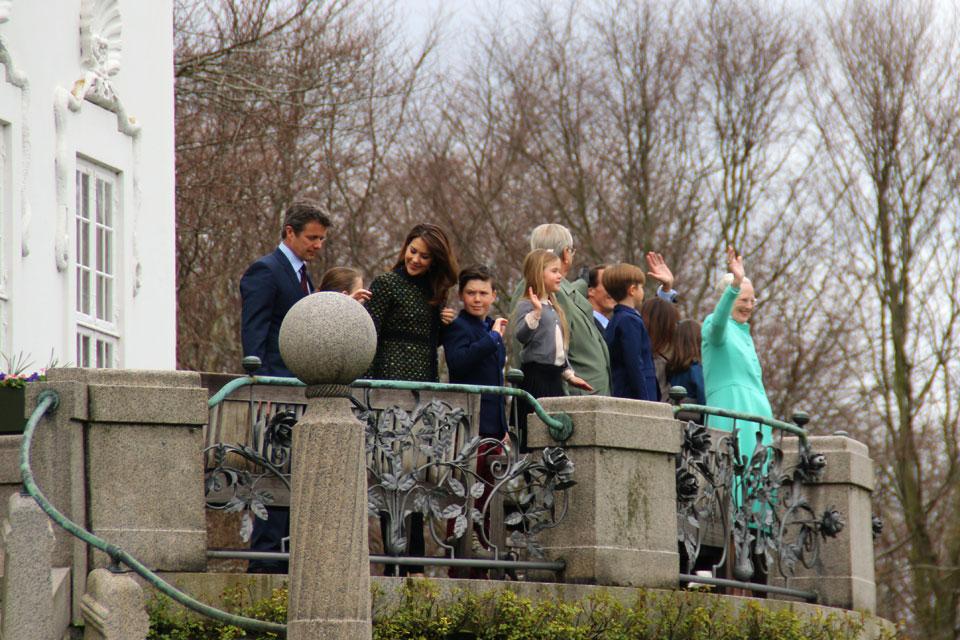 Королева Дании Маргрете II и ее семья на праздновании ее дня рождения