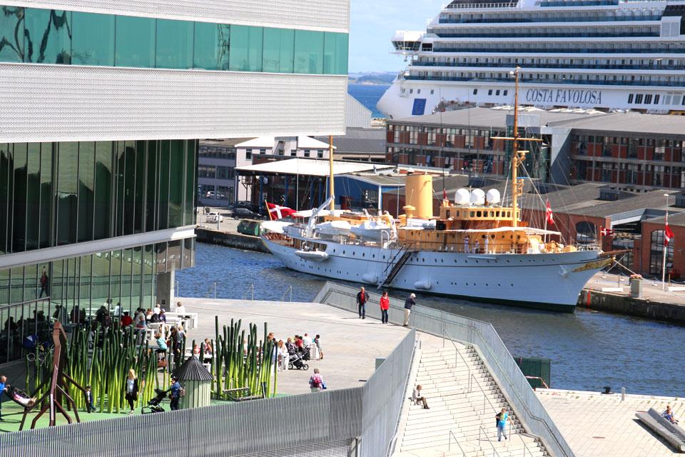 Королевская яхта Danneborg