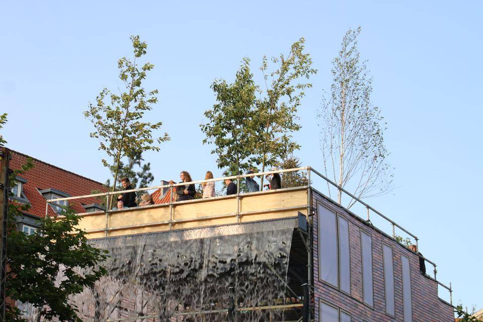 """новая тенденция, как """"взаимопроникновение города и природы"""""""