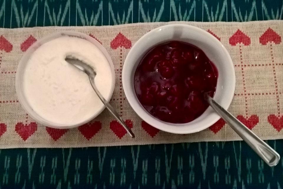 Рисаламанде с вишневым соусом на рождество
