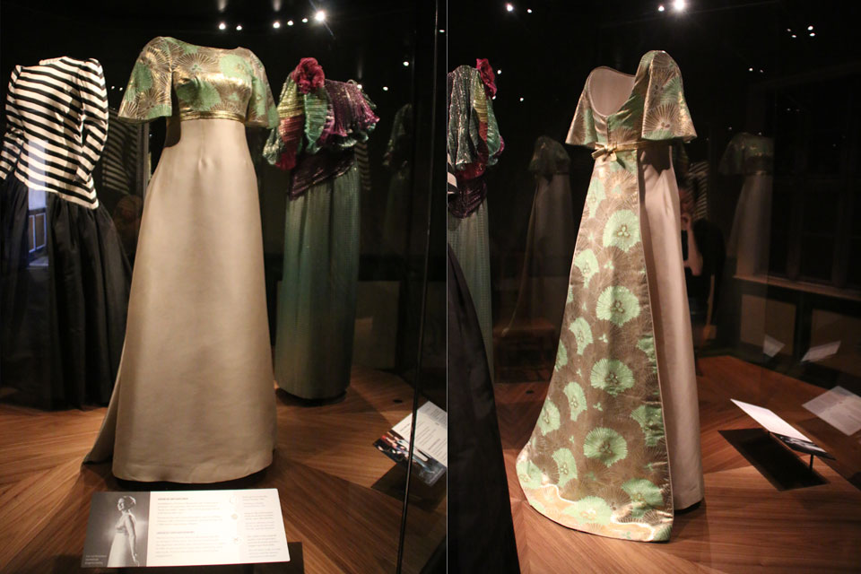 Платье из японской шелковой ткани оби с хризантемами для помолвки