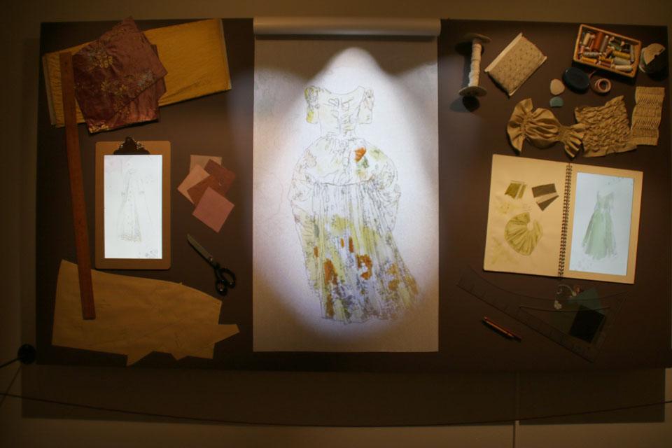 Платье - переделка - экспозиция на выставке