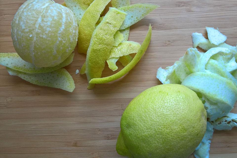 Цедра лимона - тонкий наружный желтый слой кожицы лимона