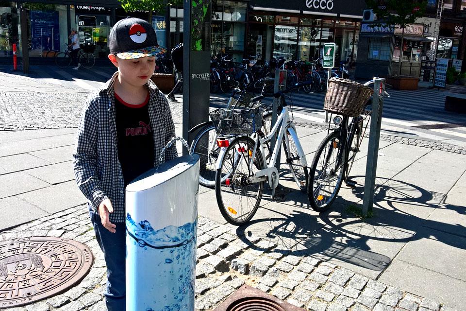 Фонтанчик для питьевой воды в городе