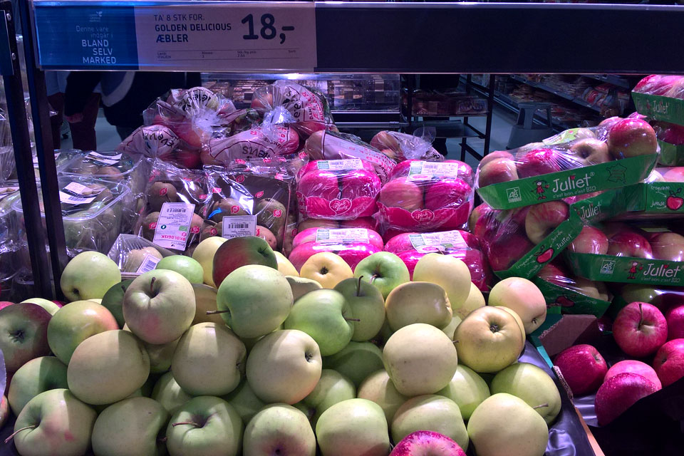 Сорта яблок в магазинах Дании: Голден Делишес (Golden Delicious)