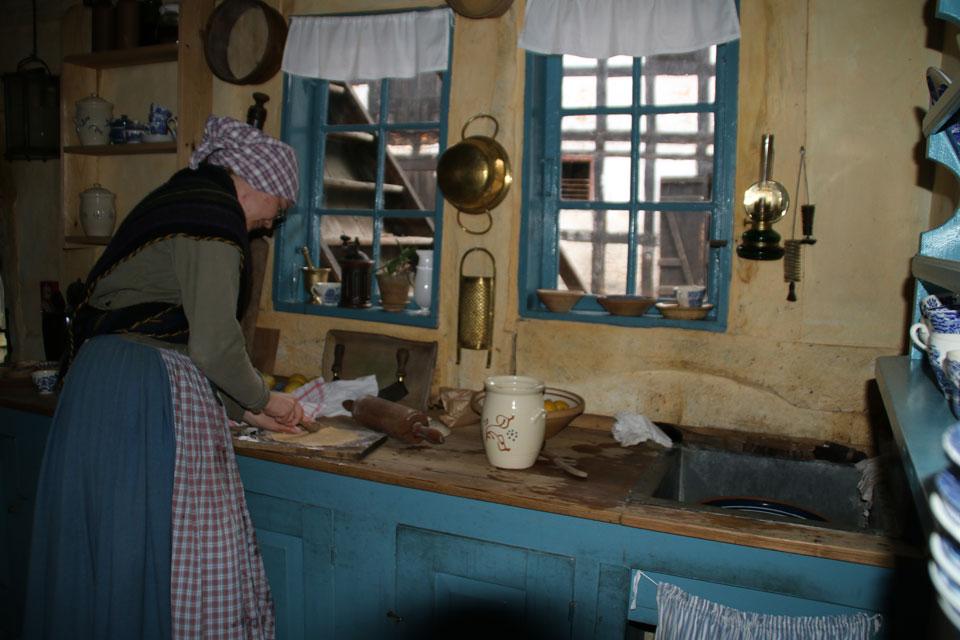 В музее Старый Город проходит демонстрация того, как в старые времена делали клейнеры