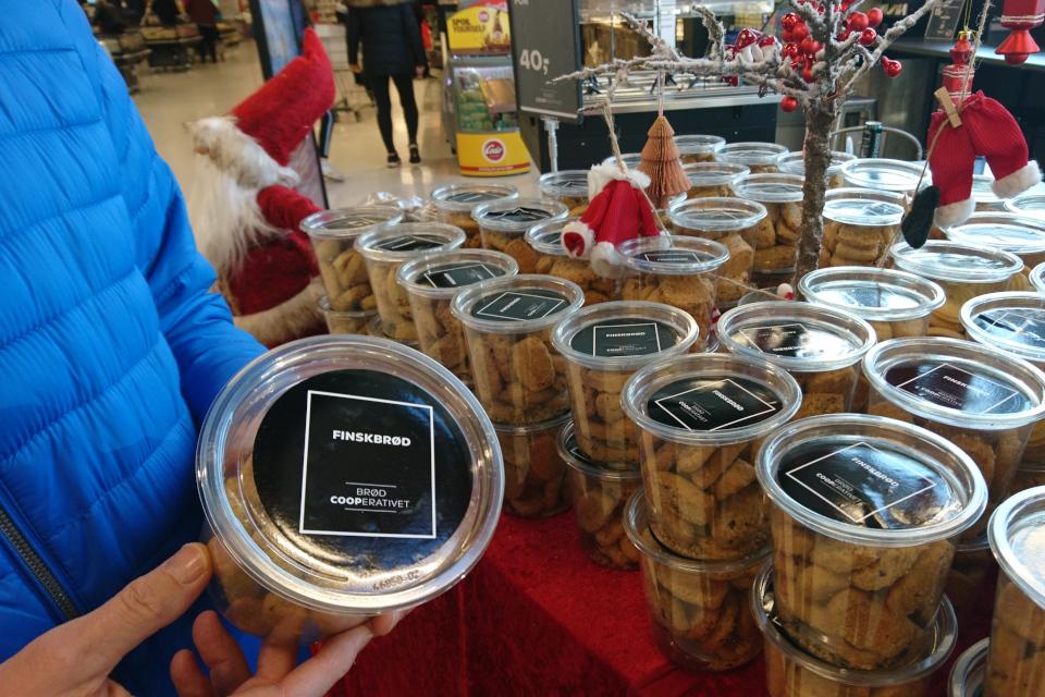 В ассортименте датского рождественского печенья - финский хлеб (finskbrød)