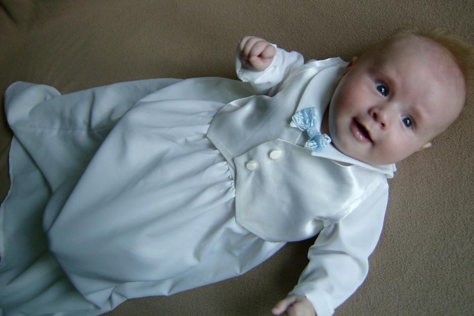 Крестильное платье моего сына, которое сшила моя сестра