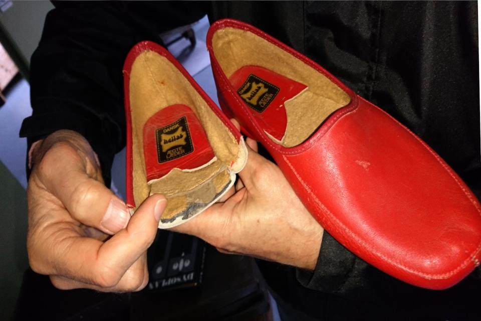Стельки для обуви, изготовленные из картона (обратная сторона)