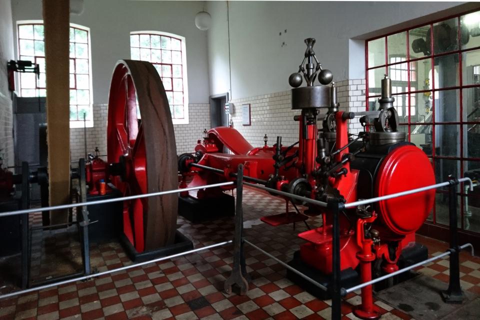 Старая паровая машина на фабрике Брунсхоб (Bruunshaab Gl. Papfabrik)